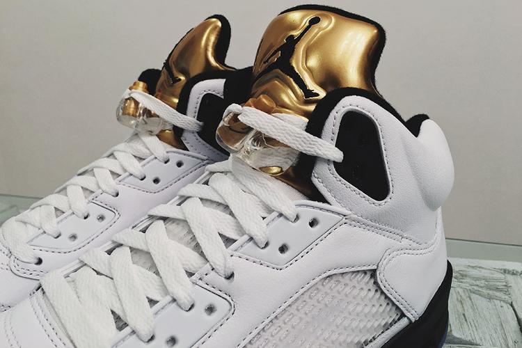Air Jordan 5 oro